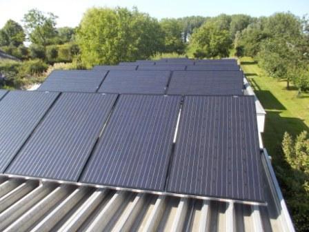 24 panelen op plat dak in Spijk 015